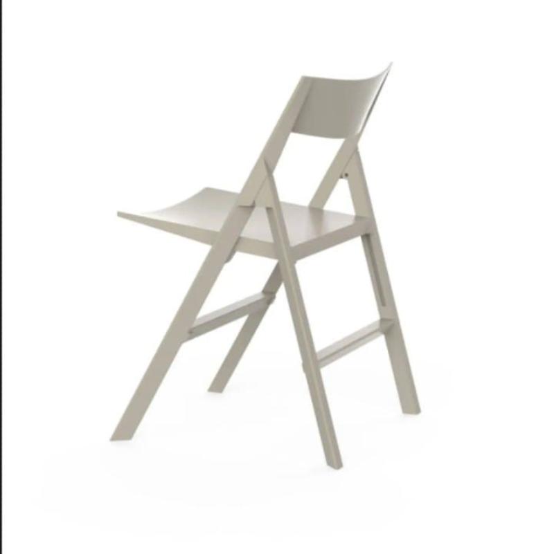 Ghế nhựa gấp màu trắng